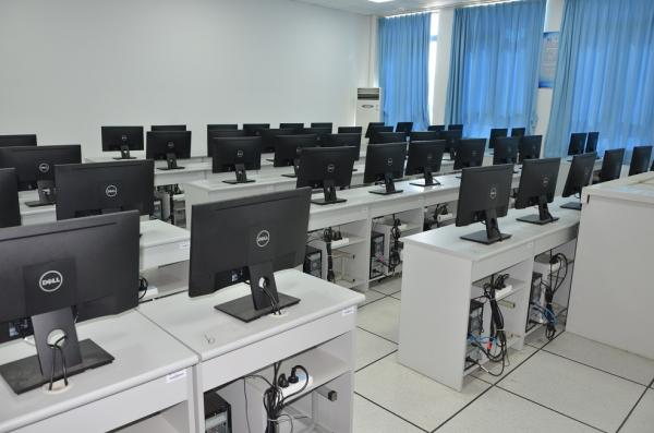 模具设计实训室.jpg